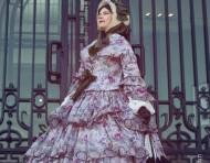 De la robe longue à un style décontracté