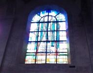 et trente-huit vitraux contemporains